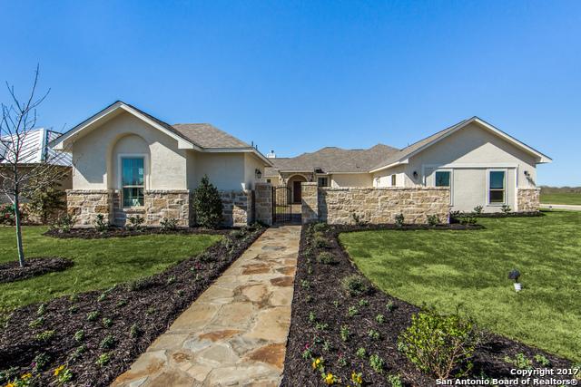 133 FAIRWAY DR, Floresville, TX 78114