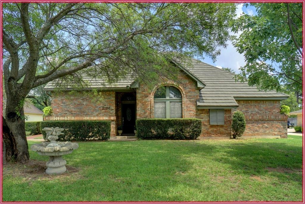 2126 Westwood Terrace, Grapevine, TX 76051
