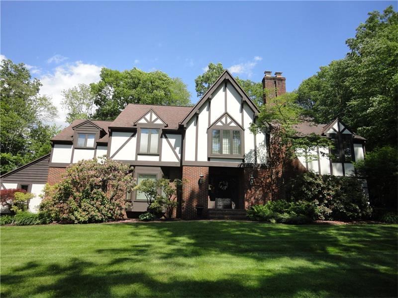 618 Forest Drive, Grove City, PA 16127