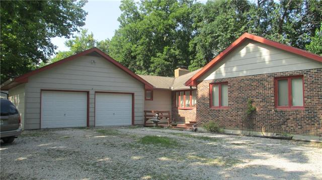 27100 S Freedom Road, Harrisonville, MO 64701