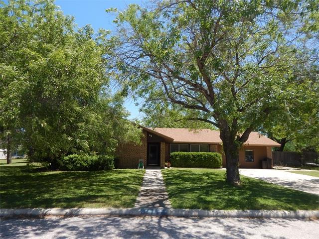 5 Saul St, Lampasas, TX 76550