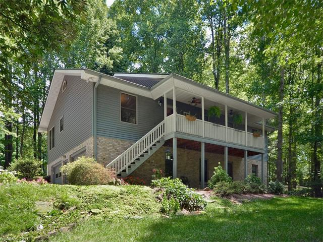 101 Meadowcrest Drive, Flat Rock, NC 28731