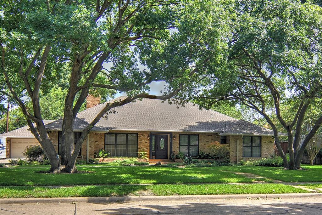 808 Clearwater Drive, Richardson, TX 75080