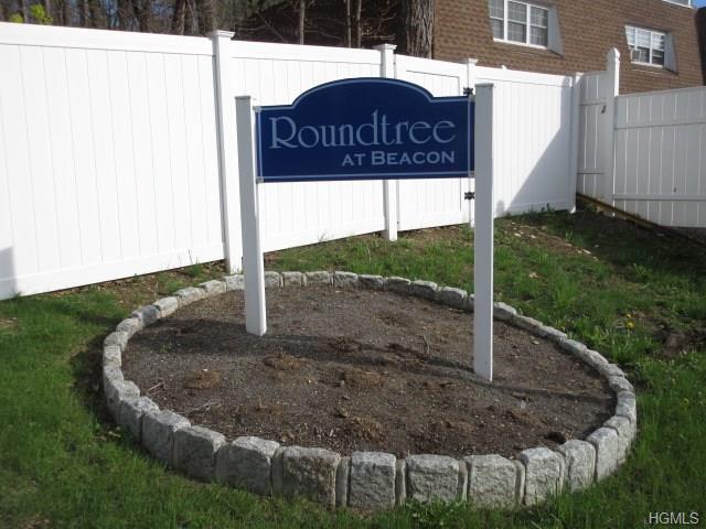 35 Roundtree Court, Beacon, NY 12508