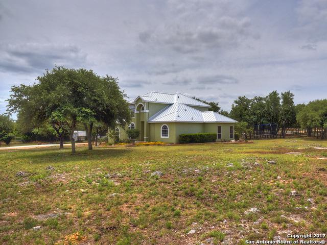 8155 Rolling Acres Trl, Fair Oaks Ranch, TX 78015