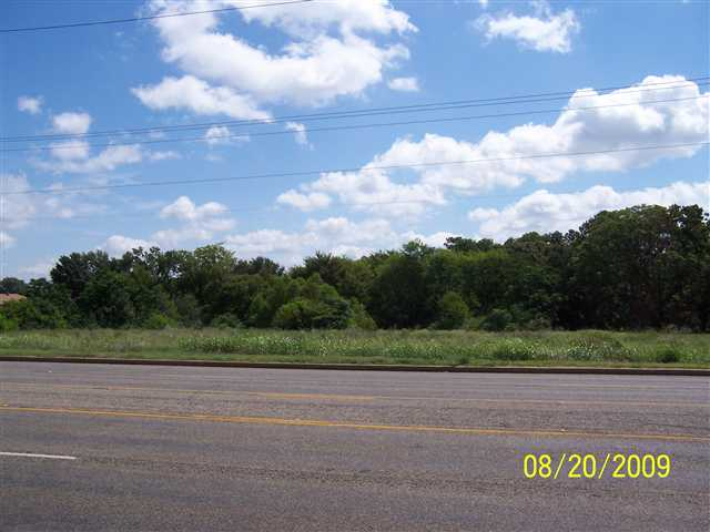 602-612 GILMER RD., LONGVIEW, TX 75601