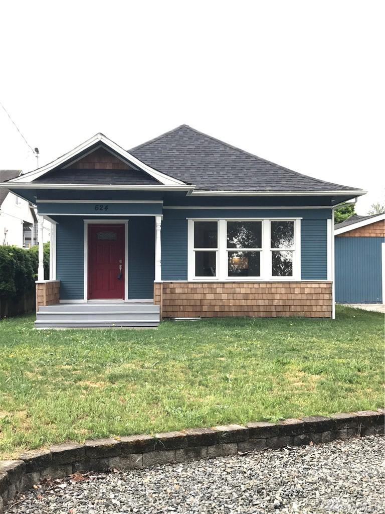 624 W Main St, Sumner, WA 98390