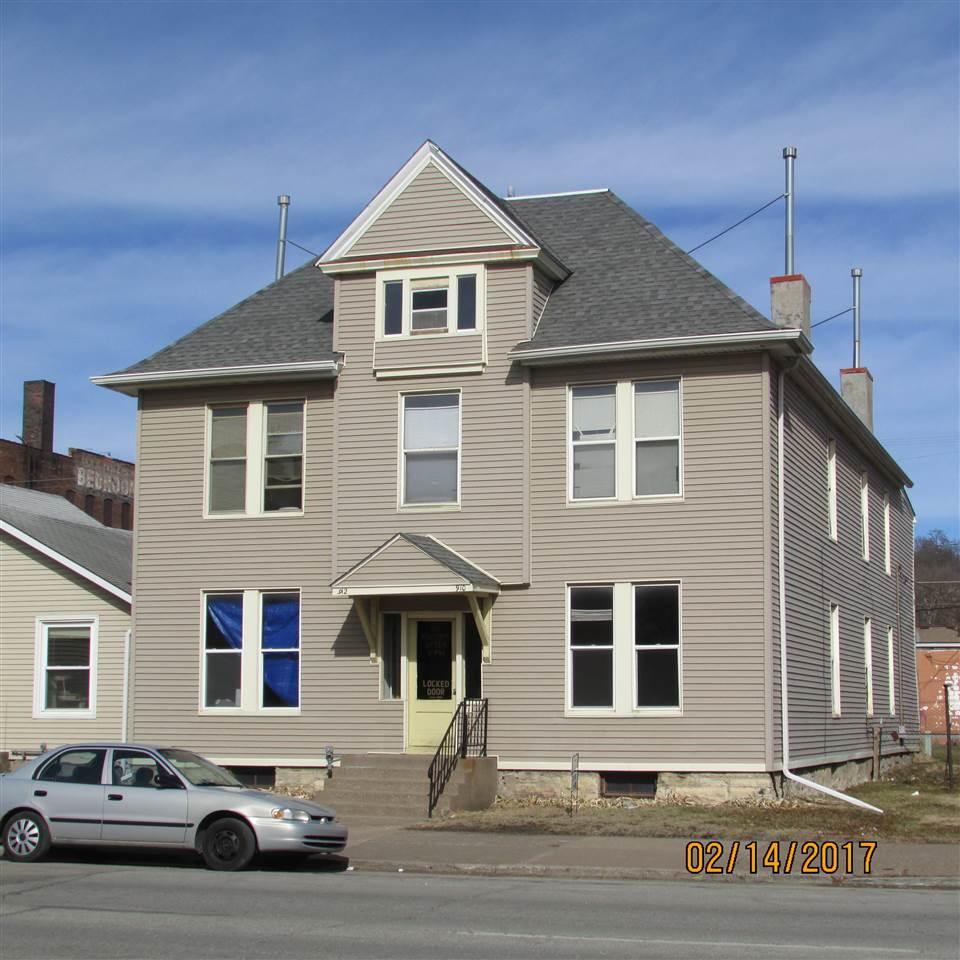 910 W 3RD, Davenport, IA 52802