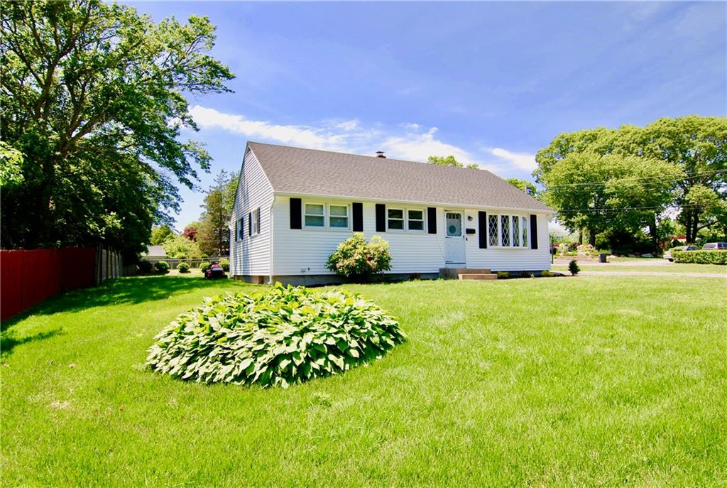 4 Clay LANE, Westerly, RI 02891