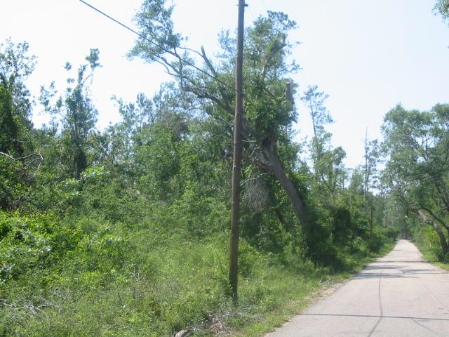 2 ISAAC Road, Lacombe, LA 70445
