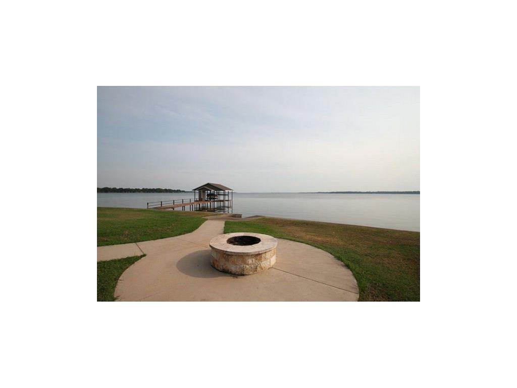 207 Seaside Drive, Gun Barrel City, TX 75156