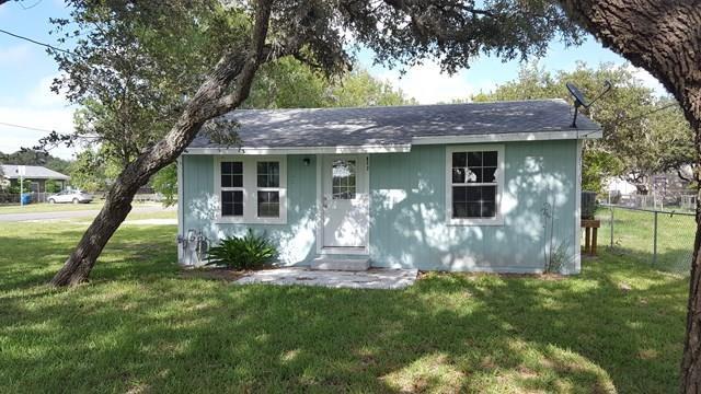 822 N Ann St, Rockport, TX 78382