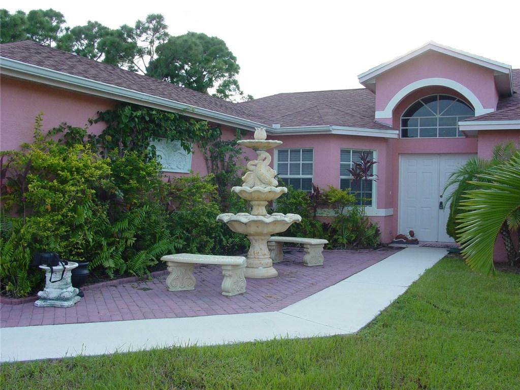 764 SW Avens Street, Port Saint Lucie, FL 34983