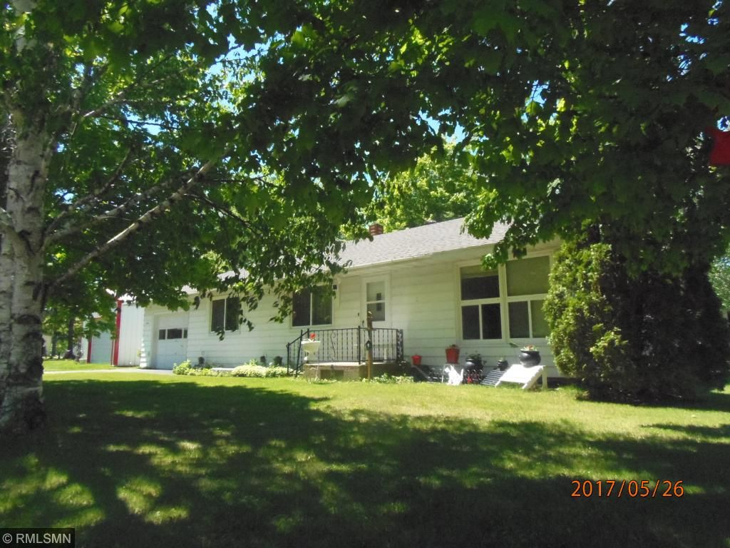 209 Leslie Avenue E, Clarissa, MN 56440