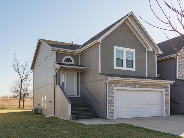 22515 W 76TH Terrace, Shawnee, KS 66227