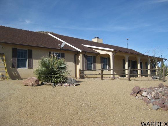 9435 W 8000 N St, Golden Valley, AZ 86413