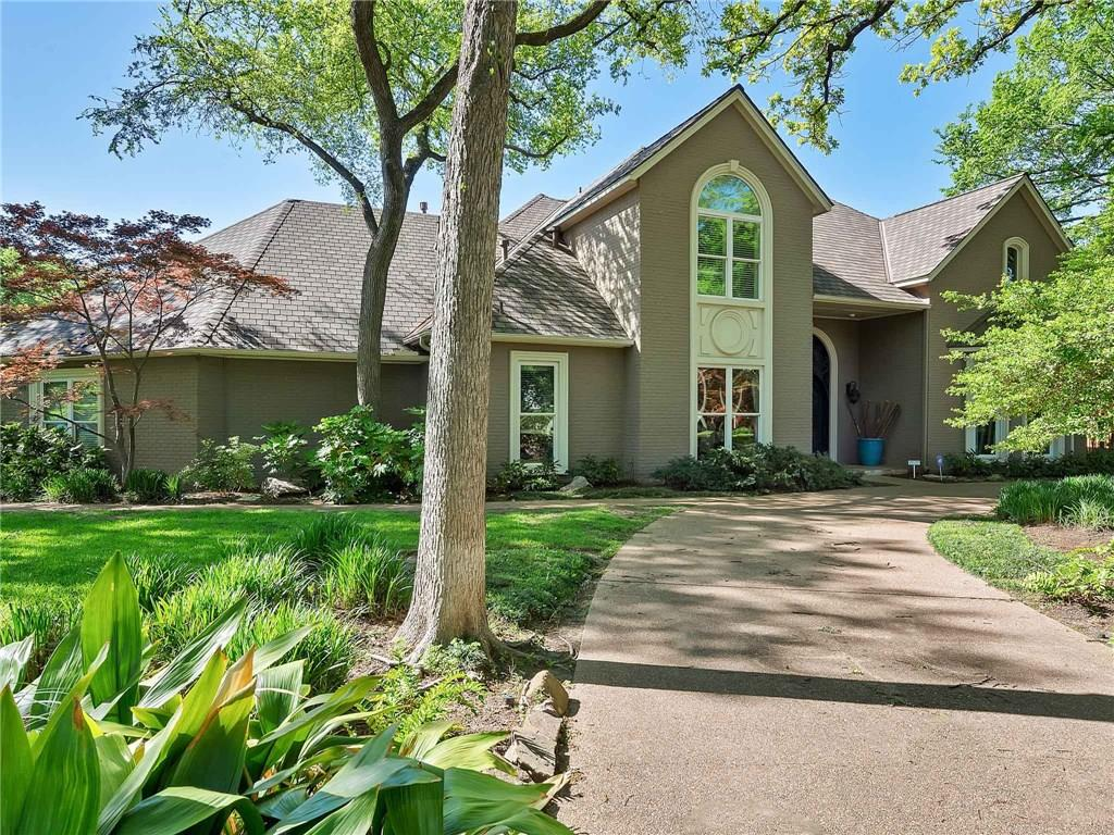4851 Moss Hollow Court, Fort Worth, TX 76109