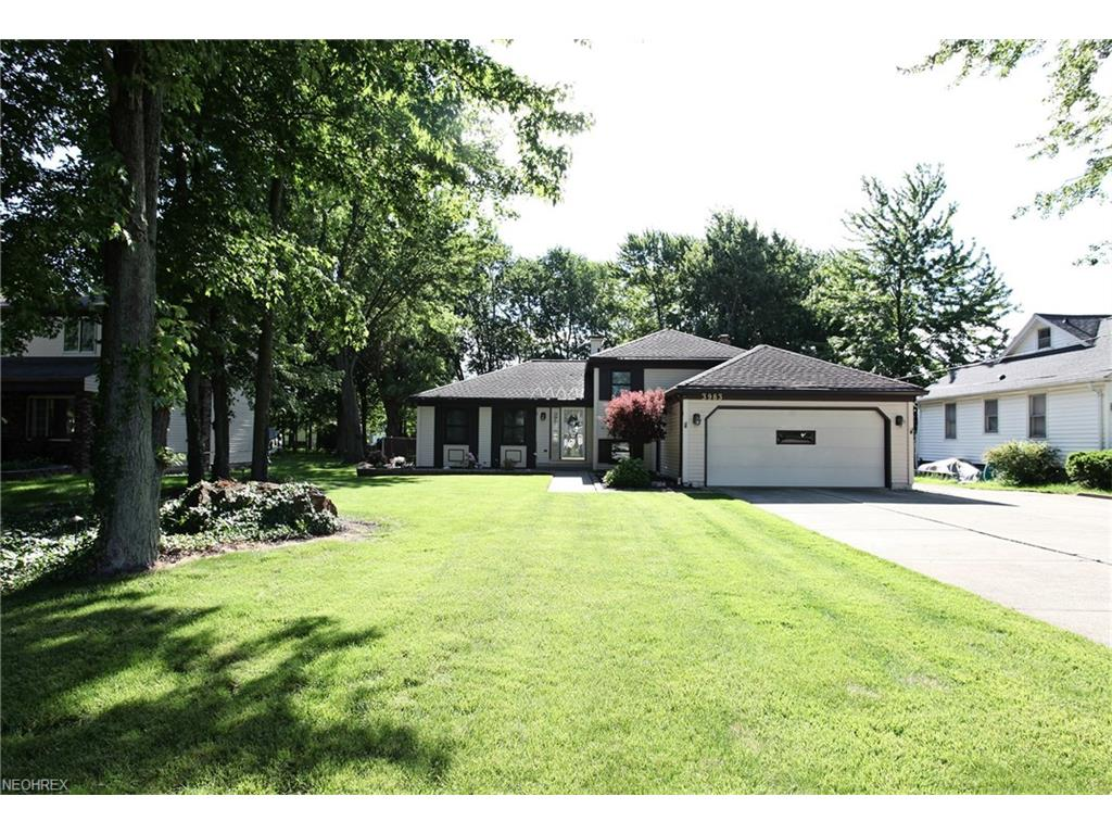 3983 Dover Center Rd, North Olmsted, OH 44070