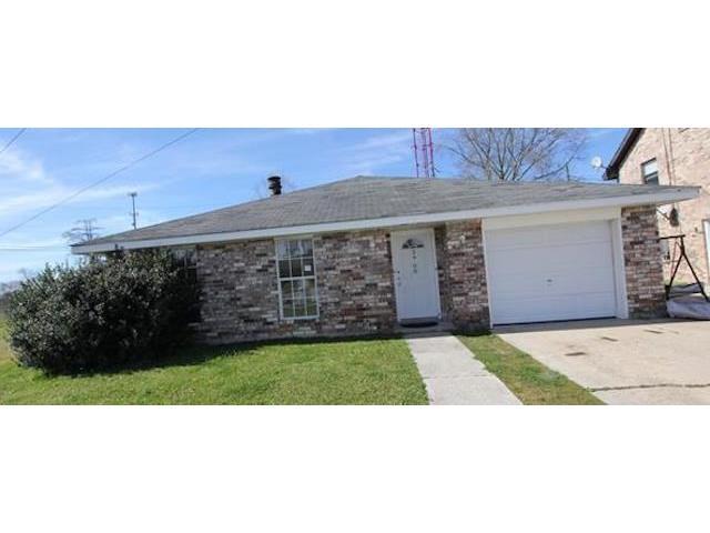 3908 LYNDELL Drive, Chalmette, LA 70043