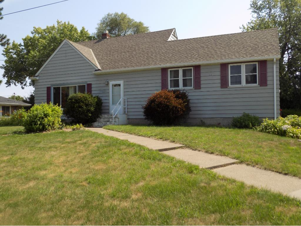 1822 Desoto Street, Maplewood, MN 55117