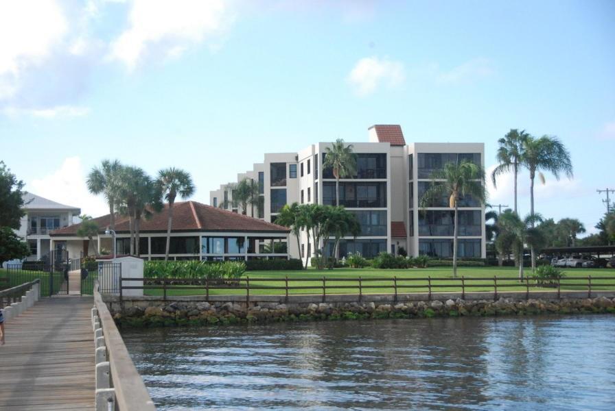150 SE Four Winds Drive, Stuart, FL 34996