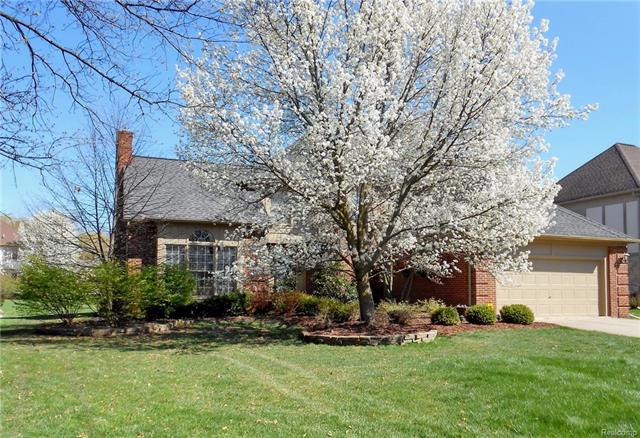 1452 OLYMPIA DR, Rochester Hills, MI 48306