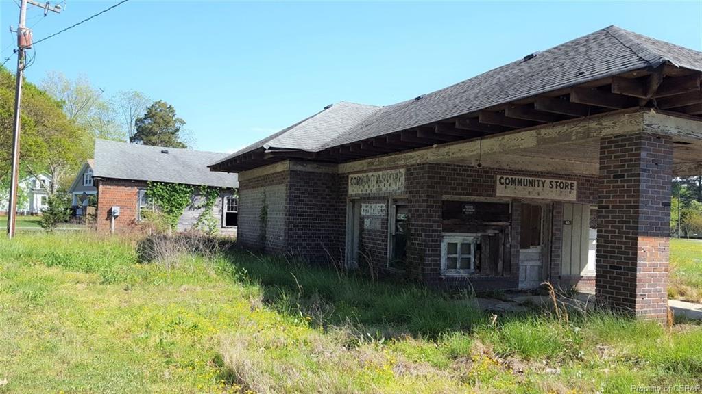 45 White Neck Drive, Foster, VA 23056