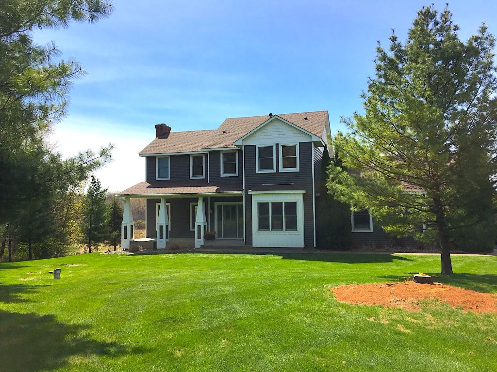 25259 Grizzly Court, Wyoming, MN 55092