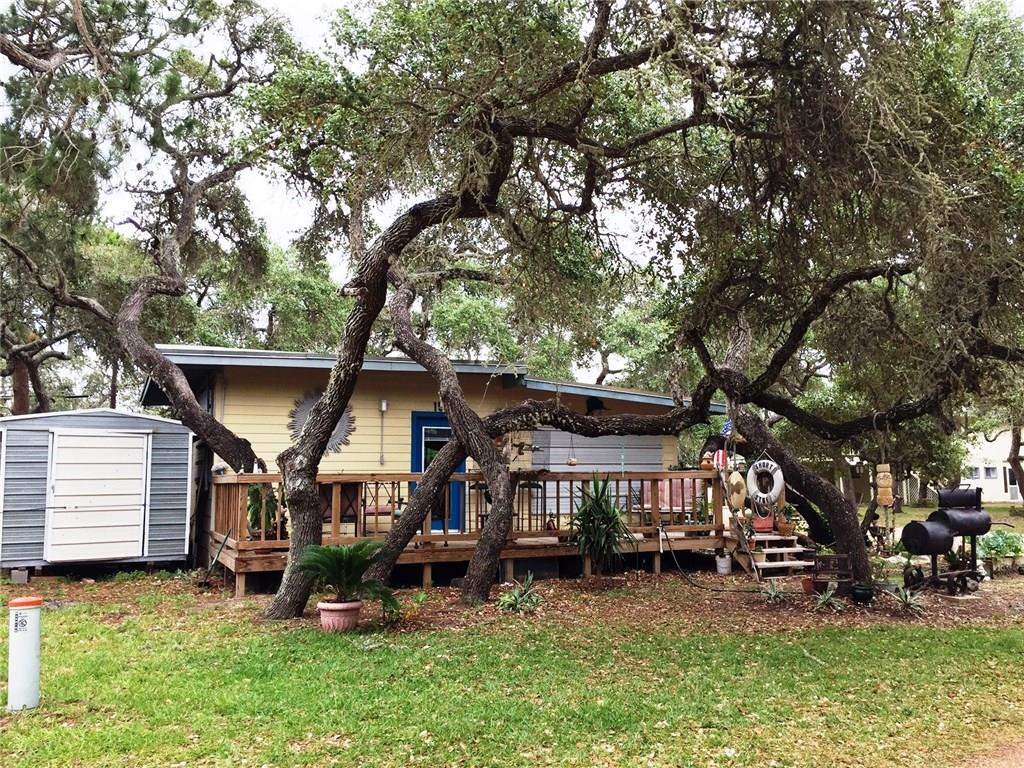 15 Bayberry Circ, Rockport, TX 78382