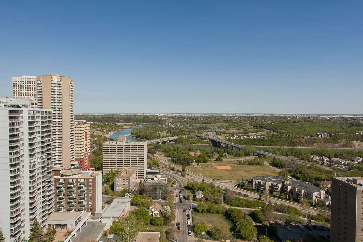 9909 104 Street 2207, Edmonton, AB T5K 2G5