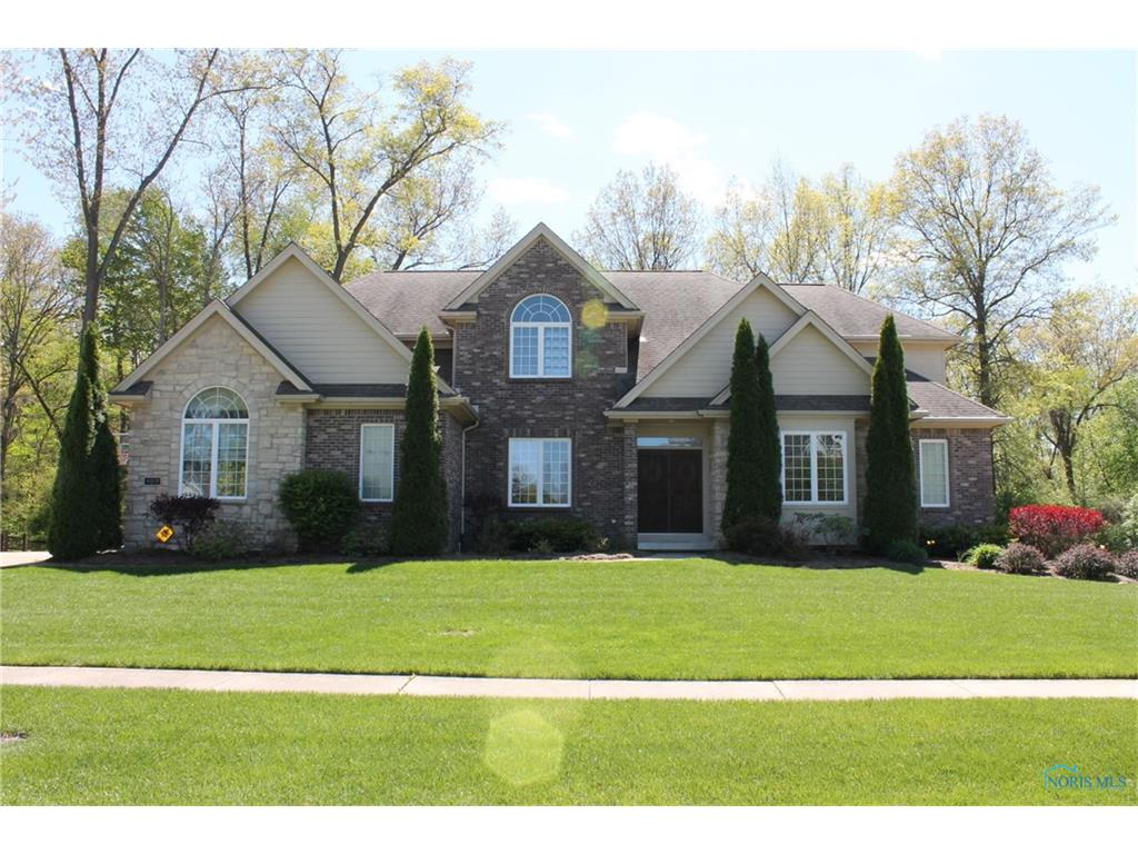 9035 Royal Oak Drive, Holland, OH 43528