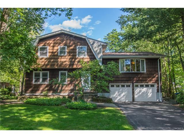 7 Woodland Drive, Greenwood Lake, NY 10925