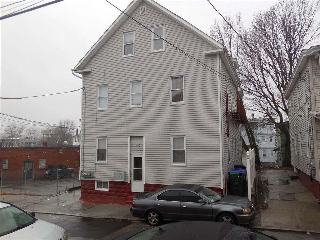 10 Hillhurst AV, Providence, RI 02909