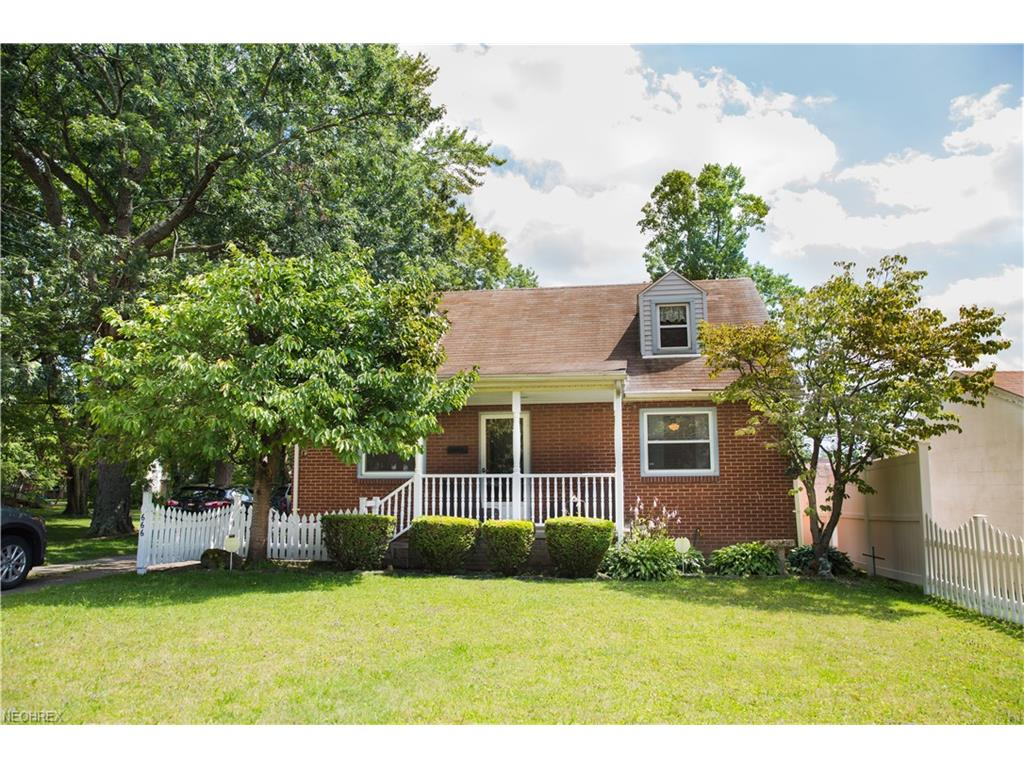 666 Elm St, Struthers, OH 44471