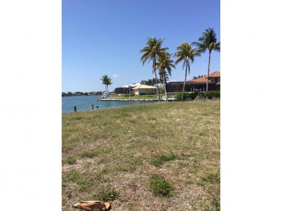 1050 BOND 7, MARCO ISLAND, FL 34145