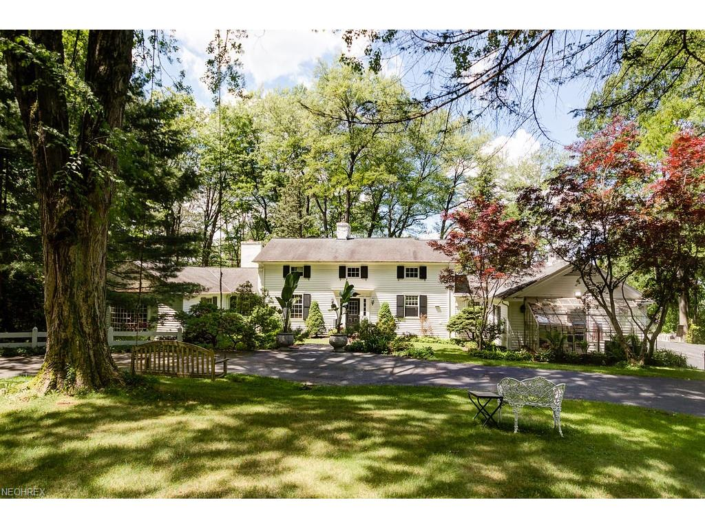 1810 County Line Rd, Gates Mills, OH 44040