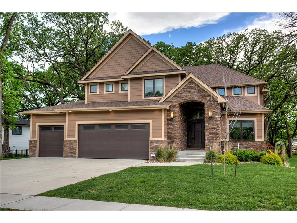 4020 Indian Ridge Drive, Waukee, IA 50263