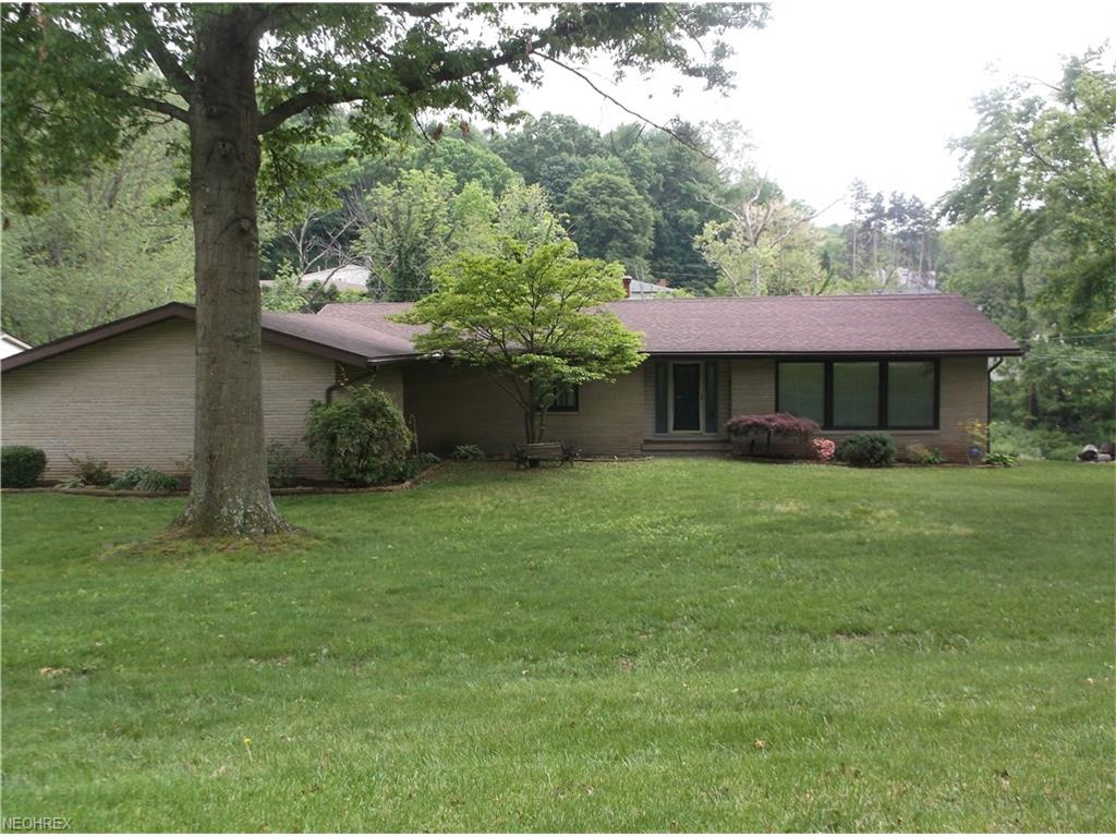 1955 Meadowbrook, Coshocton, OH 43812
