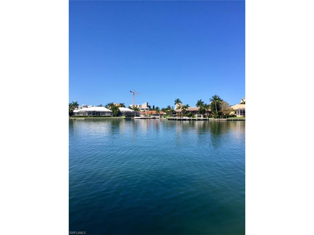 1050 Bond CT, MARCO ISLAND, FL 34145