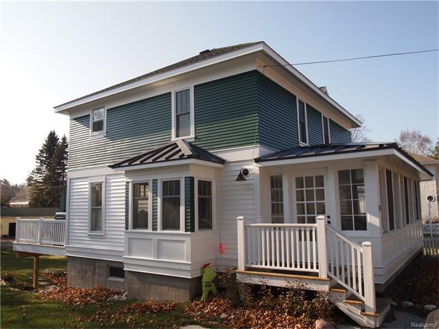 265 W 4TH Street, Harbor Springs, MI 49740