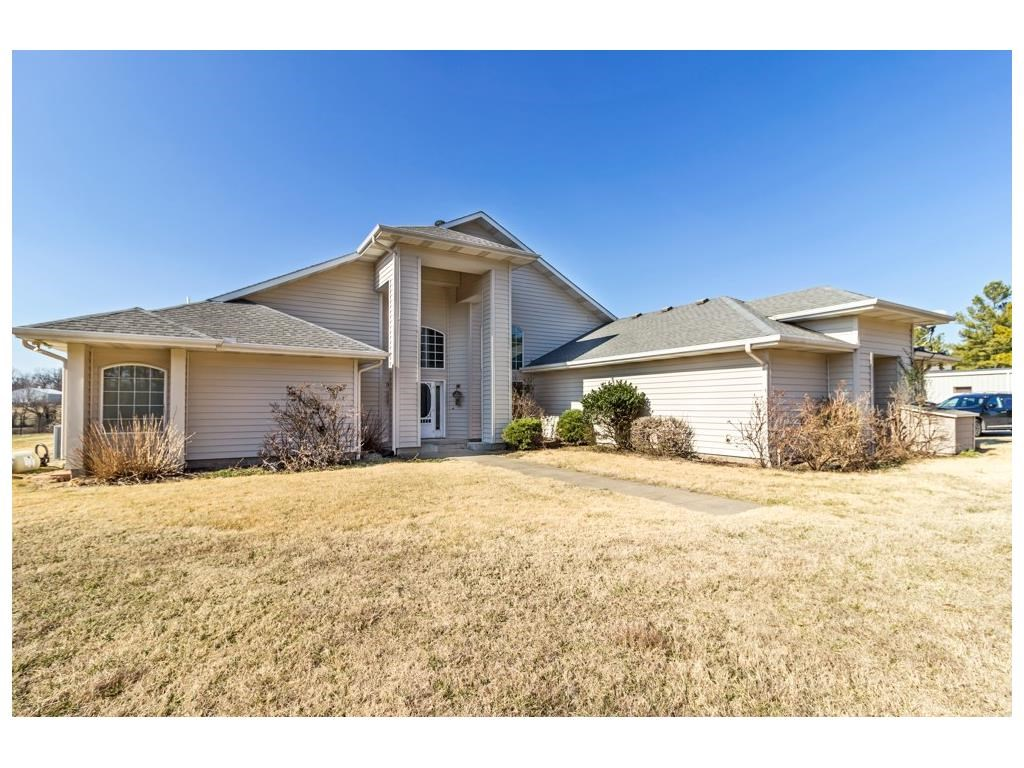 6098 Pack LN, Rogers, AR 72758