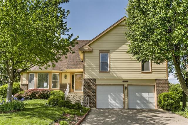 13400 W 70th Terrace, Shawnee, KS 66216