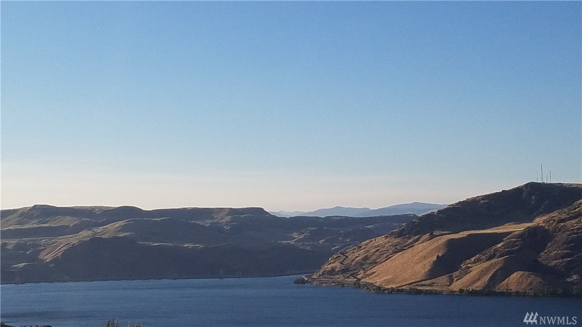 1 Eden Harbor Dr N, Grand Coulee, WA 99133