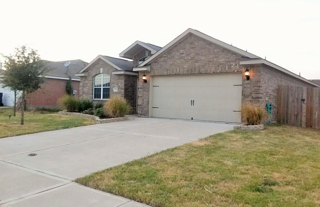 216 Meadow Ridge Drive, Anna, TX 75409