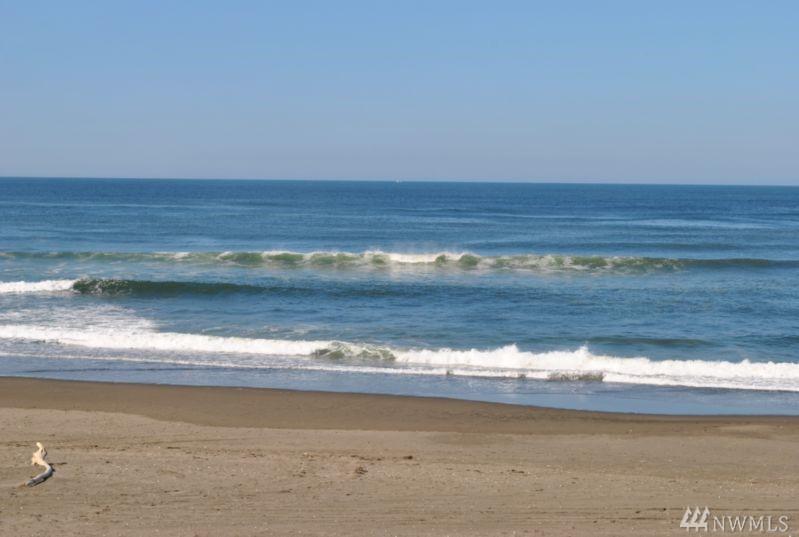 650 Ocean Shores Blvd SW, Ocean Shores, WA 98569