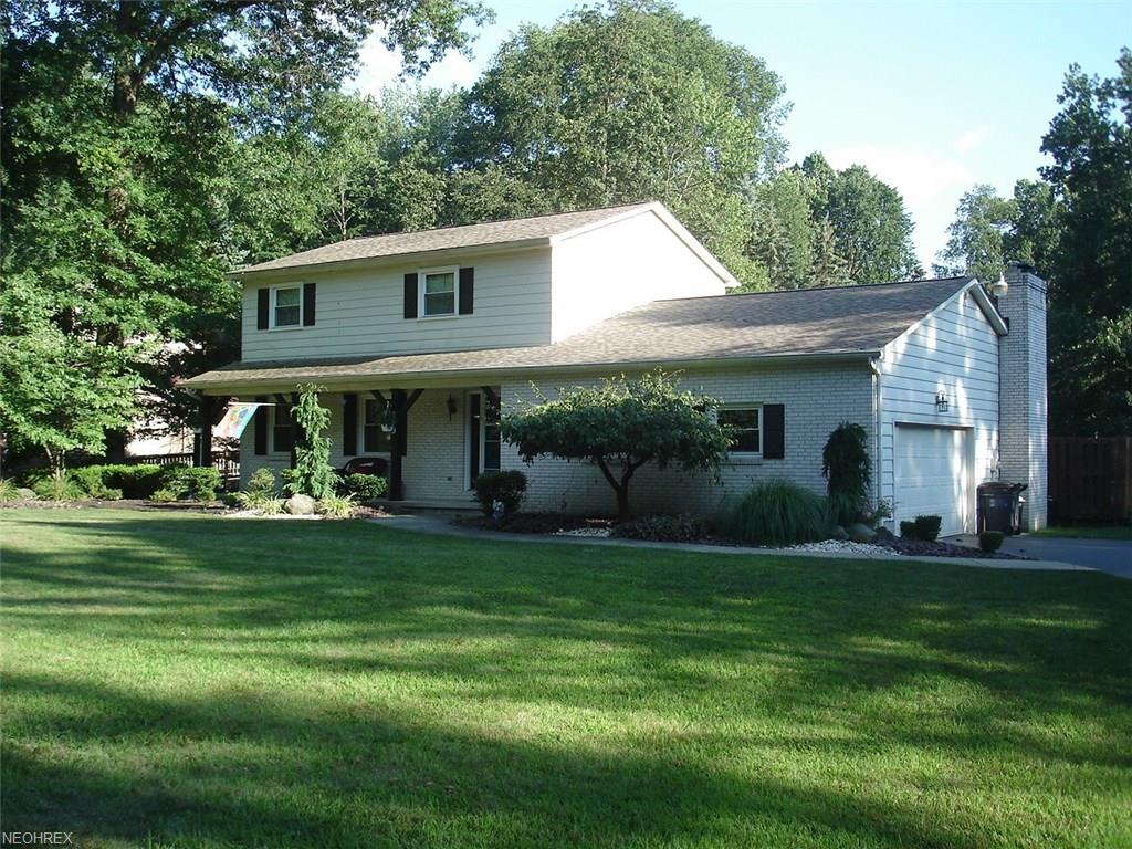 749 Squirrel Hill Dr, Youngstown, OH 44512