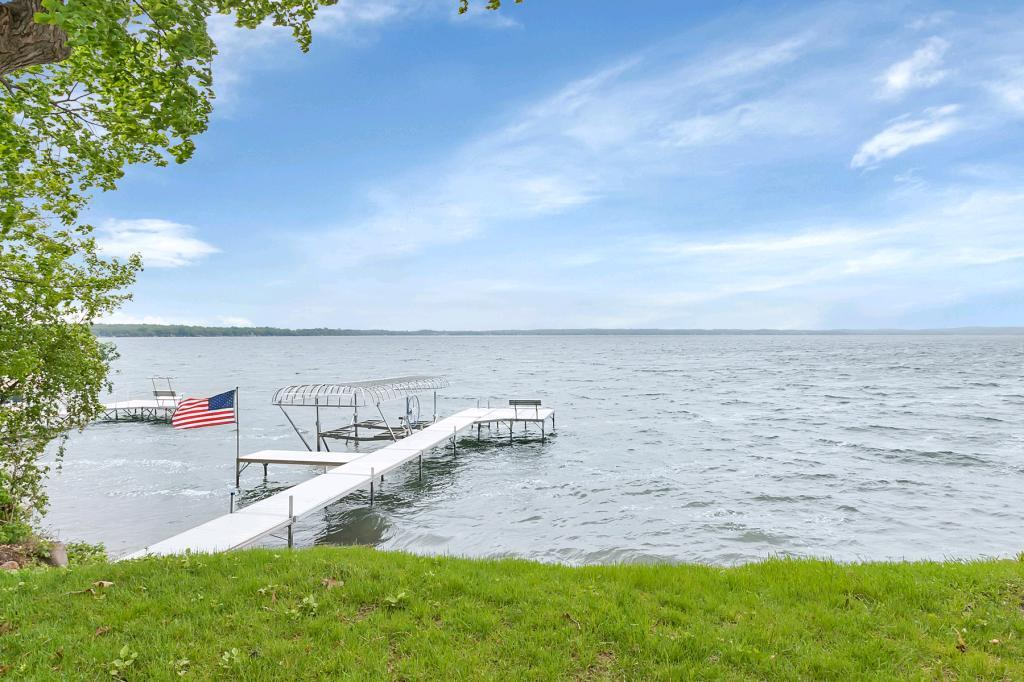 347 Lake Avenue S, Spicer, MN 56288