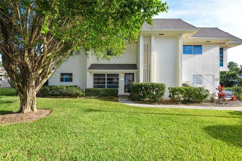 542 SUTTON PLACE, LONGBOAT KEY, FL 34228