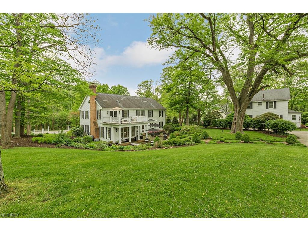 649 Chagrin River Rd, Gates Mills, OH 44040