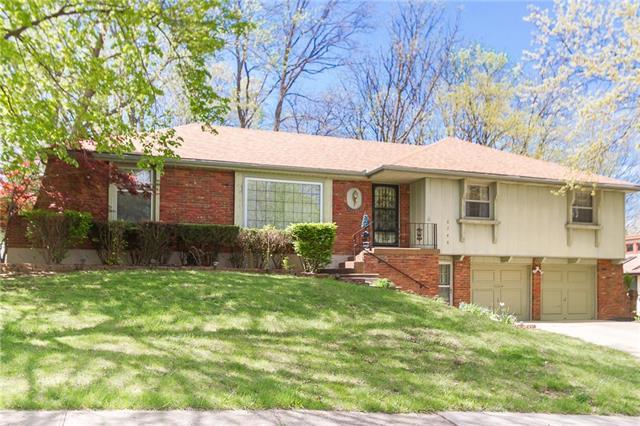 6748 N Euclid Avenue, Gladstone, MO 64118